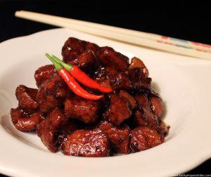Thịt Kho Tiêu (Braised Caramelized Pork)
